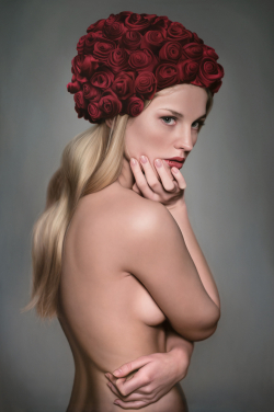 <strong> Anna Halldin-Maule</strong> Sonja with Roses
